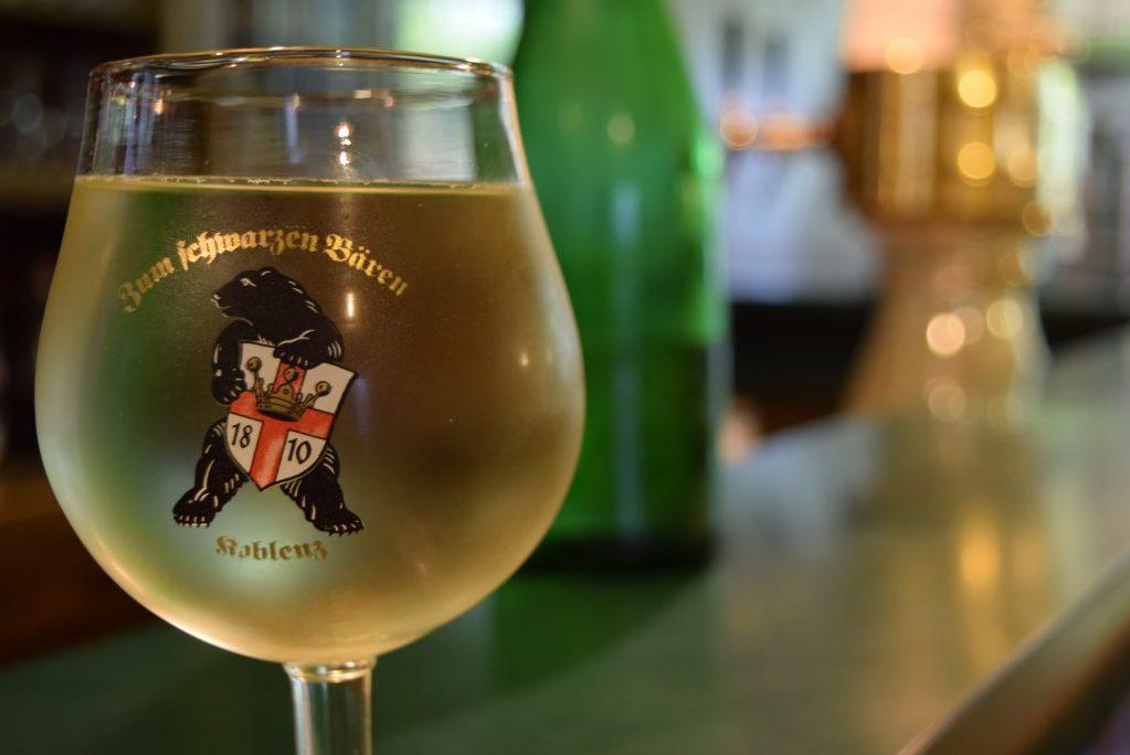 Ein altes Weinglas